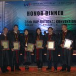 Architect Mike Pena (far right) is elevated to the College of Fellows last April 24, 2009 during the 25th UAP convention.